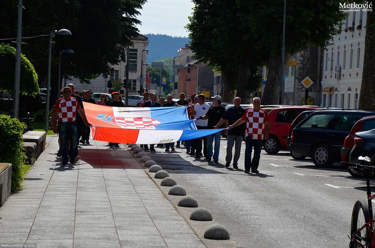 Zastava Otvorena-ploča-Šetališta-A-Satnije-ZNG-a-(55)